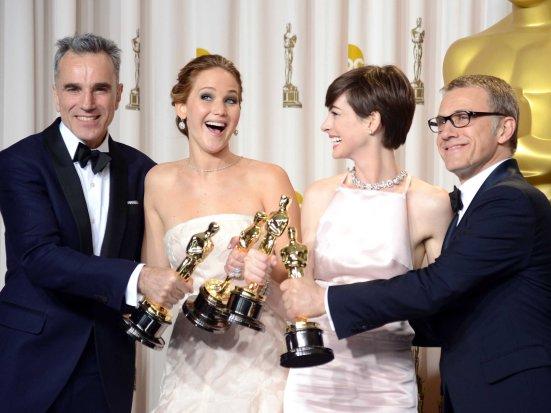 Lewis, Lawrence, Hathaway y Waltz - Mejor Actor, Actriz, Actriz de Reparto y Actor de Reparto